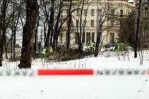 Nehody a spadlé stromy dnes komplikovaly provoz v Brně