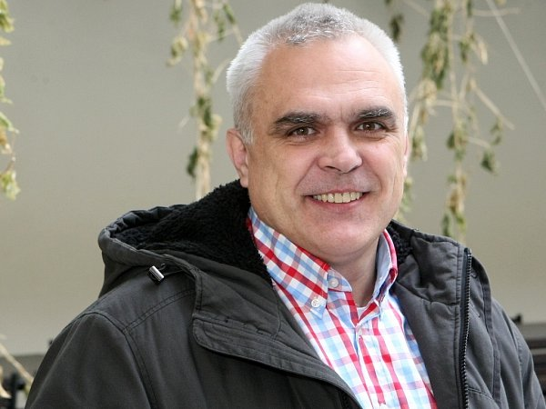 Jeho kritici tvrdí, že jako bývalý stavař nemá skulturou nic společného a může za její devastaci. Předseda kulturní komise Brna Stanislav Michalík kritiku odmítá.