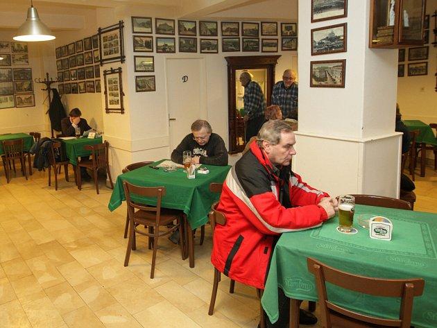 Restaurace U Kaštanů v Černopolní ulici.