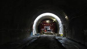 Podívejte se, jak to v říjnu 2021 vypadá s pracemi na tramvajovém tunelu v brněnské Žabovřeské ulici.