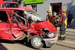 Nehoda tramvaje s dodávkou v Táborské ulici.