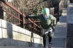 Sto čtyřicet čtyři schodů v mínus čtyřech stupních vyběhlo takřka dvě stě lidí v Bílovicích nad Svitavou na Brněnsku.