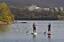 Část programu olympijského festivalu se má odehrát na Brněnské přehradě. Ilustrační foto