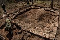 Tišnovská šibenice původně měřila asi šest metrů. Stavba byla zesílená v rozích, z dvoumetrové zdi zřejmě vystupovaly kamenné sloupky. Na nich ležela břevna pro odsouzené. Dvě šibenice byly také u Velké Bíteše na Žďársku, ale nezachovaly se.
