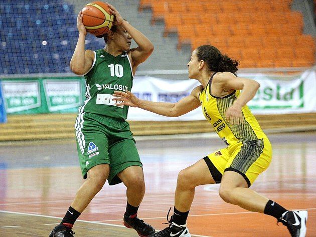 Basketbalový Valosun v ofenzivním duelu prohrál 78:94