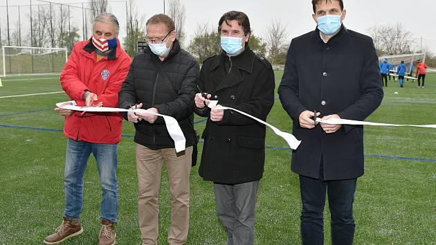 Brno 26.11.2020 - otevření zrekonstruonaného hřiště v areálu TCM Brněnské Ivanovice