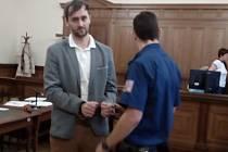 Josef Kopriva je obžalovaný z pokusu o vraždu. Podle žaloby plán připravila manželka oběti.
