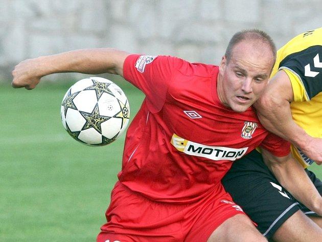 Záložník fotbalové Zbrojovky Pavel Mezlík.