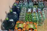 Branišovičtí nakoupili pro znojemskou nemocnici asi dva tisíce lahví nápojů. Foto: obec Branišovice