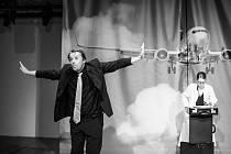 Divadelní hru Opravdu živé interview s opravdovým Petrem Kellnerem napsal Roman Sikora.
