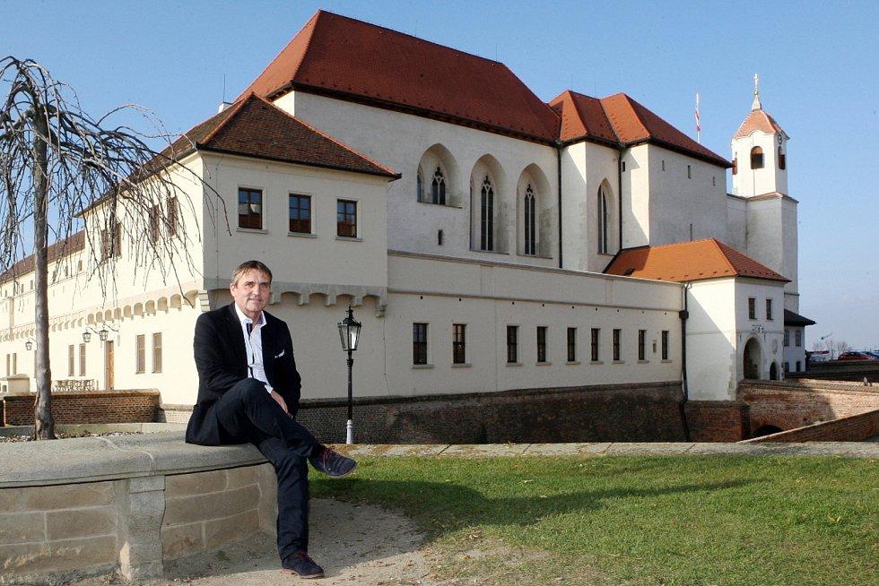 """Brněnský hrad Špilberk je pro nového primátora Petra Vokřála jeden ze symbolů města. """"Když vyrazím do centra na procházku, je to právě na Špilberk. Jsem pro to, aby na něj vedla i cyklostezka. Naopak si nemyslím, že lanovka je tam nezbytně nutná,"""" uvedl."""