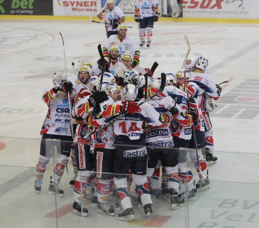 Kometě se nepodařilo porazit Pardubice. Týmu se nedařilo v závěrečných nájezdech.