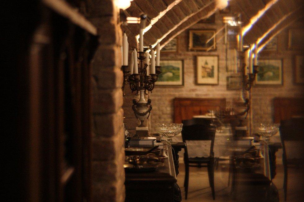 V Brně se na konci září otevřela nová židovská restaurace Stern v košer stylu. Jde o první takový podnik v České republice. Přiblížit tu chtějí i židovskou kulturu.