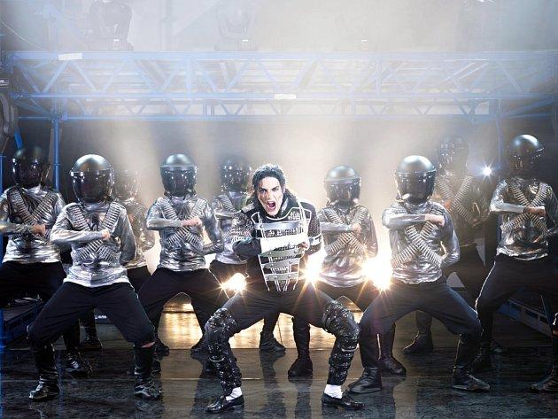 Každá z písní Michaela Jacksona má svou vlastní choreografii, i skladba Soldier Of Love (na snímku).