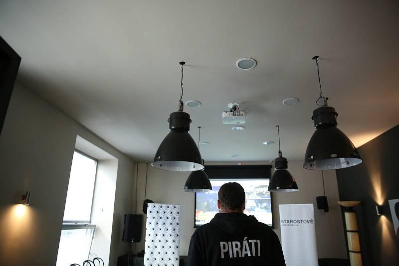 Volební štáb brněnských Pirátů a Starostů
