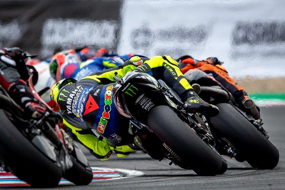 Finálový závod MotoGP Velká cena České republiky, závod mistrovství světa silničních motocyklů v Brně 4. srpna 2019. Na snímku (střed) Valentino Rossi (SPA).