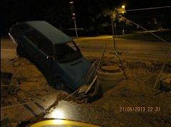 Nehoda auta v ulici Elišky Přemyslovny v Brně