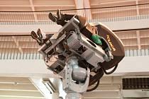 RoboCoaster se využívá především jako zábavní atrakce, ale uplatnění našel i v leteckém průmyslu.
