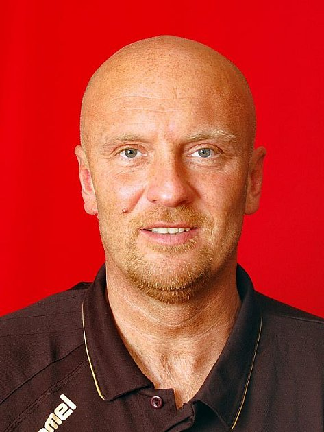 Trenér Basketballu Brno Josef Jelínek.