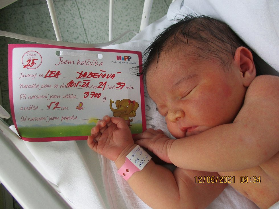 Lea Dobešová, 10. května 2021, Lanžhot, Nemocnice Břeclav, 3700 g, 52 cm
