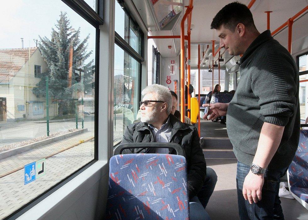 Školení revizorů Dopravního podniku města Brna v sebeobraně.