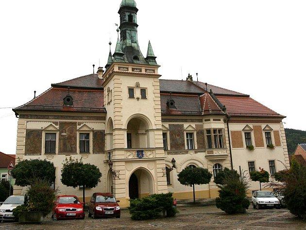 Radnice v Tišnově.  Ilustrační fotografie.