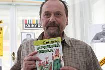 Básník, spisovatel, dramatik, autor knih pro děti a tvůrce aforismů Jiří Žáček.