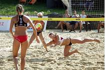 Turnaj v beachvolejbalu a minigolfu v Líšni