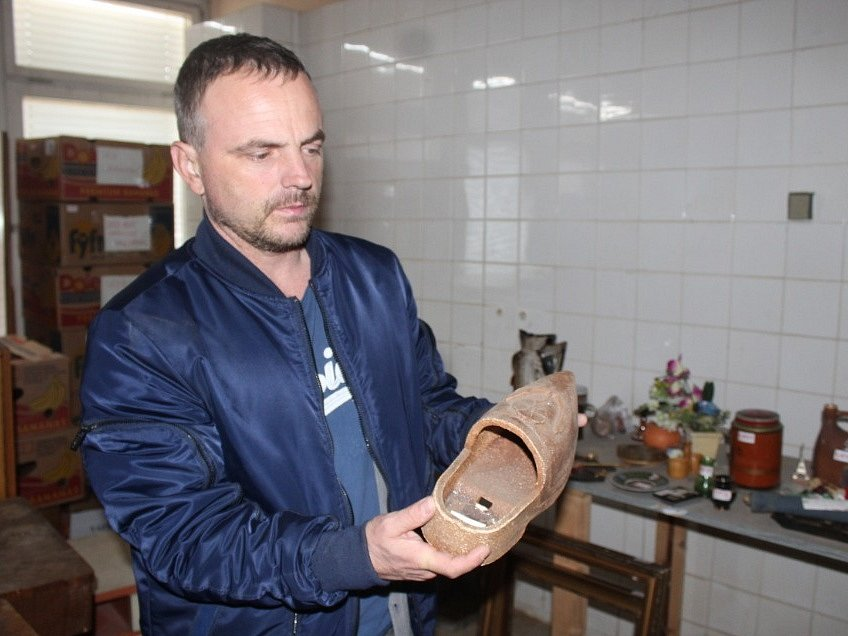 Miroslav Kratochvíl z brněnského projektu Retro-Use se řídí větou: Pro někoho odpad, pro druhého poklad. Muž zajímavé staré věci miluje.