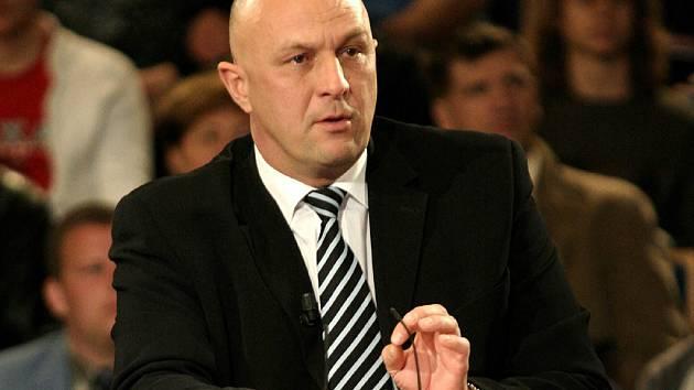 Ministr zdravotnictví Tomáš Julínek přijel v neděli obhájit do Brna reformu zdravotnictví a zrušení úrazovky.