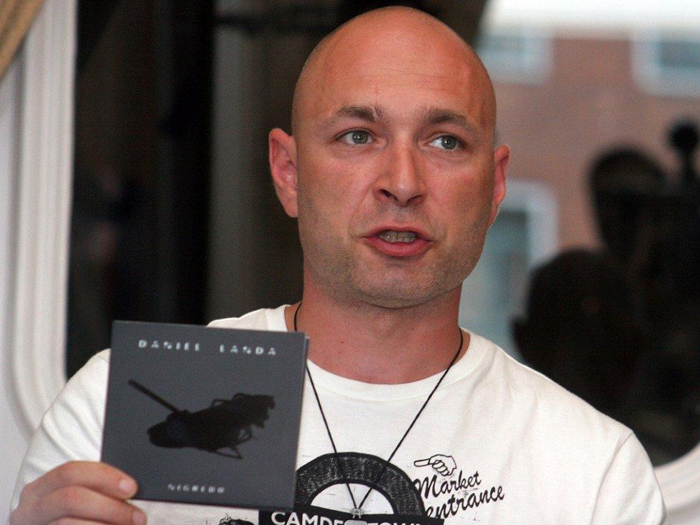 Landa v Brně představil nové album Nigredo.