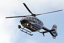 Chování řidičů na silnici I/43 kontrolovali blanenští policisté. Do speciální bezpečnostní akce se zapojil i vrtulník.