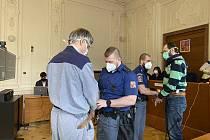 František Matura a Miroslav Maňák jsou obžalováni za brutální vraždu muže z Hodonínska. Krajský soud v Brně tento týden navázal na únorová jednání.