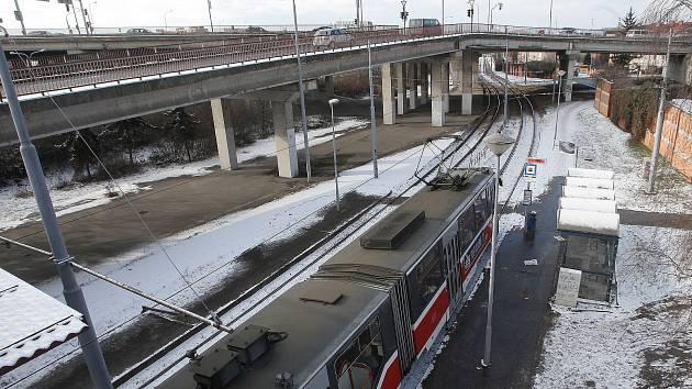 Takzvaná estakáda, tedy vyvýšená síť silnic v brněnských Židenicích.
