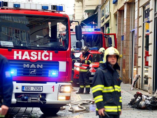 Požár obchodu s oblečením v brněnské Masarykově ulici.