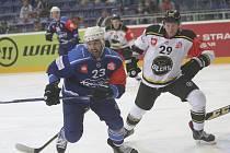 Hokejisté brněnské Komety v utkání základní skupiny Ligy mistrů proti norskému Stavangeru.