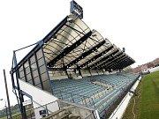 ZAŠLÁ SLÁVA. Strůjce někdejšího drnovického zázraku Jana Gottvalda mrzí, že stadion v současné době chátrá.