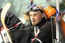 Hokejový střet dvou největších brněnských univerzit doprovázelo bouřlivé povzbuzování šesti tisíc diváků.