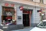 S NÁLEPKOU.  Pizzerie U Gluma ve Vachově ulici v centru města je výhradně nekuřácká.