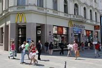 Fastfood McDonald´s na náměstí Svobody.