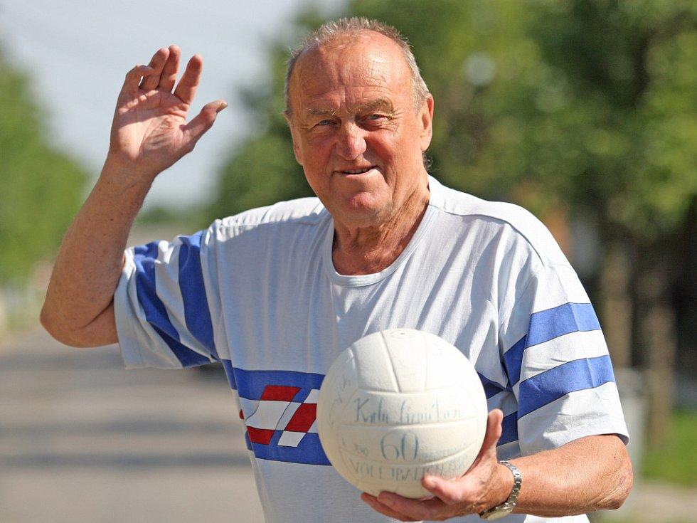 Karel Láznička.