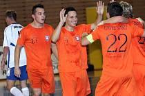 Prvoligové futsalové derby: Tango (v oranžovém) vs. Helas