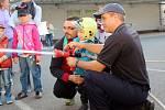 Sako Brno otevřelo v sobotu svůj areál lidem. Zaměstnanci nachystali soutěže pro děti nebo koupání v plastu.