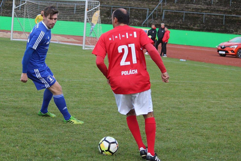 Za Lužánkami se ve čtvrtek utkaly legendy Zbrojovky Brno a Sigmy Olomouc. S číslem 21 hrál Tomáš Polách.
