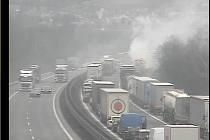Požár kamionu na dálnici D1.