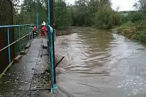 Jihomoravští hasiči řeší několik událostí zejména na Blanensku (čerpání vody, čištění propustí, stavidel).