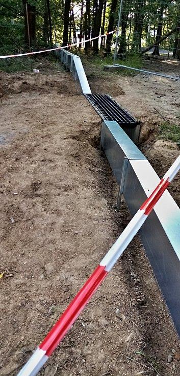 V Žebětíně dokončují migrační zábrany pro obojživelníky.