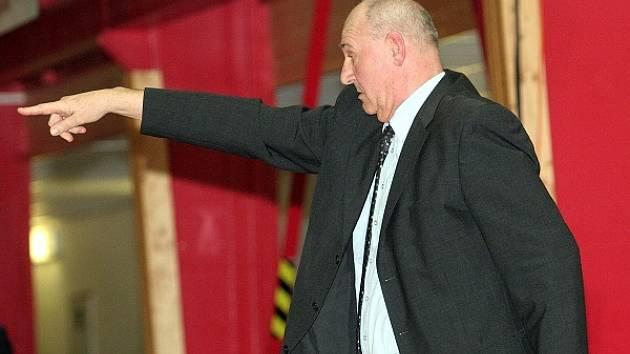 Trenér brněnských basketbalistek Jan Bobrovský.