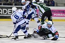 Hokejisté brněnské Komety ve 45. kole extraligy doma porazili 3:2 v prodloužení Karlovy Vary.