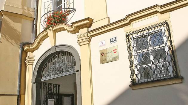 Kauza zakázek: Ivanovice chtějí odvolat místostarostu Liškutina, je ve vazbě